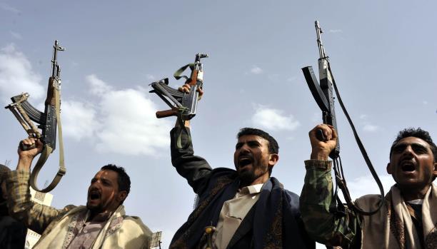 قصّة مرعبة.. قيادي حوثي يقتل شقيقه رمياً بالرصاص