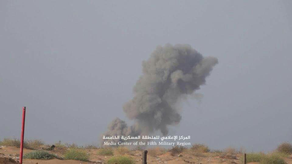 التحالف يشن قصفا عنيفا خلف عشرات القتلى والجرحى ومدفعية الجيش تدك مواقع الانقلابيين