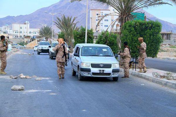 تفاصيل الخلاف بين قوات لأمن وافراد من الحزام الأمني بالضالع