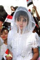 العاشرة عرائس ينتظرن الزفاف