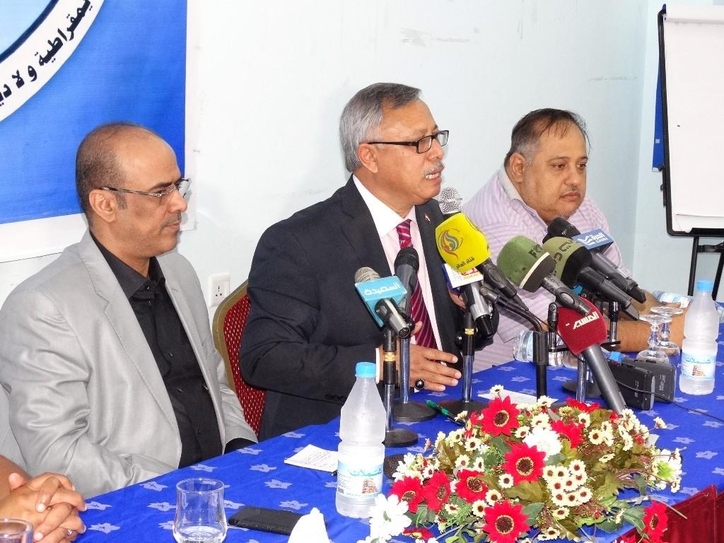 المؤتمر يقر فصل بن حبتور لدعمه شرعية الرئيس هادي