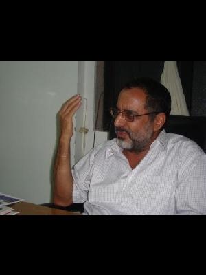 استاذ/علي سيف حسن