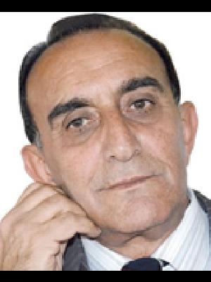 حاتم محمد الصكر