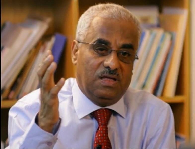 الفريق الاحمر يوجه بعلاج الدكتور صالح باصرة على نفقة الدولة