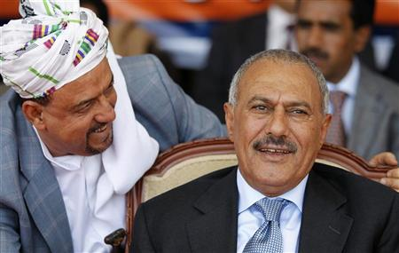 قيادي مؤتمري يهاجم قيادات مؤتمر صنعاء ويصفهم بالخونة