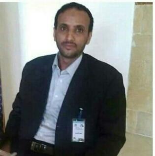 الحوثيون يستهدفون بقذيفة صحفيا كان يغطي المعارك الدائرة في البيضاء