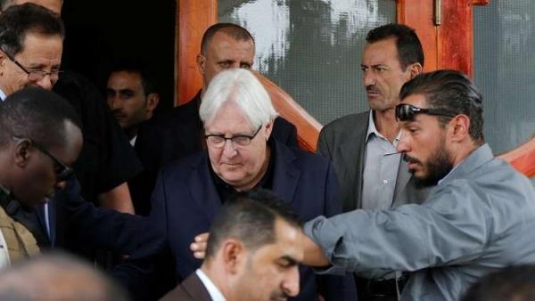 المبعوث يتودد الشرعية ويمتدح هادي والامارات تحدد طريقا واحدا يعيد الحوثي الى رشده