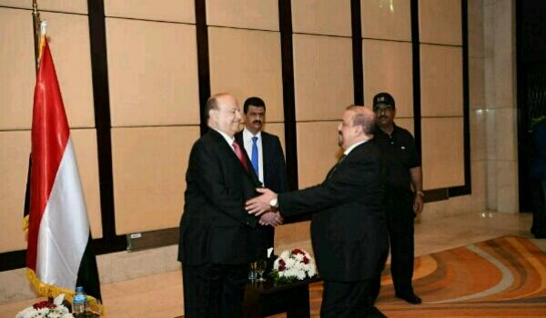 بعد رفض «مؤتمر صالح» التوحد تحت رأية «هادي».. المجتمع الدولي يختار «مؤتمر الحوثي» لحضور مفاوضات جنيف