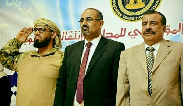 تحركات لإنقلاب عسكري في «عدن».. قيادات «الانتقالي» تتهم «الإمارات» بـ«ممارسة ابادة جماعية بحق الجنوبيين» و «عيدروس» يعلن بيان الحرب