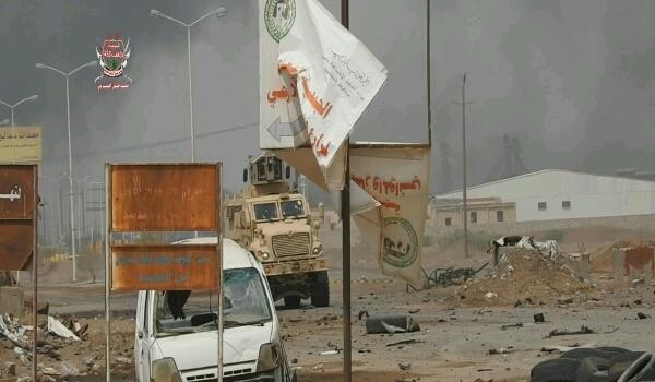 عاجل: مليشيا الحوثي تعلن مصرع 2 من كبار قادتها في الحديدة وتعترف بـ«ضراوة هجوم قوات الشرعية»
