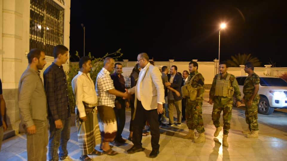 «الزبيدي» و «بن بريك» يعودان الى «عدن» قادمين من «أبو ظبي» وتوقعات باعلان الانقلاب
