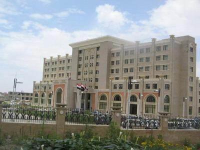 الحوثيون يسعون لتهريب أرشيف ووثائق ومراسلات عالية السرية من أهم الوزارات السيادية في اليمن