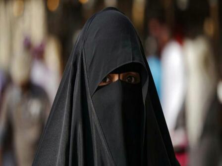 دولة عربية تمنع ارتداء النقاب «بصفة نهائية»