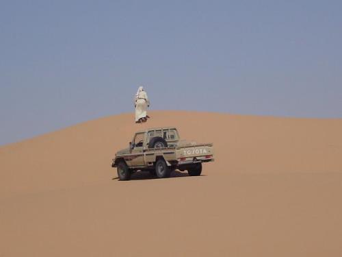 الاكرامية السعودية للجيش الوطني تتسبب في وفاة أربعة جنود في الصحراء