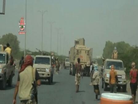 مستجدات الحديدة : اطباق الحصار على الحوثيين من كل الجهات و 15 ايرانيا فروا والميناء لن يتوقف