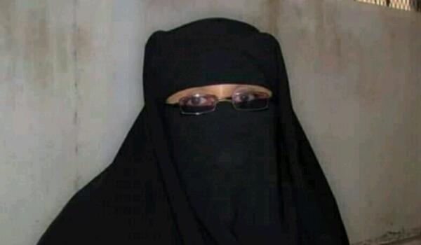 لأول مرة في اليمن.. اختيار إمرأة عاقلا لإحدى الحارات المستعصية على أجهزة الأمن.. من هي المرأة؟