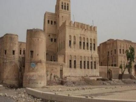 ميليشيا الحوثي تنهب مكتبة ومخطوطات «عاصمة اليمن»