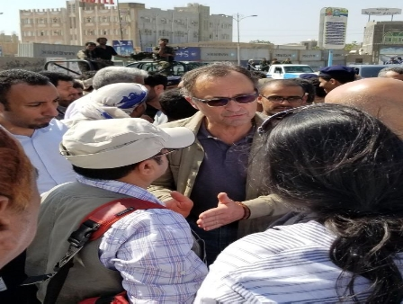 ما حقيقة نقل اجتماعات الحديدة إلى خارج اليمن؟.. مسؤول حكومي يُجيب