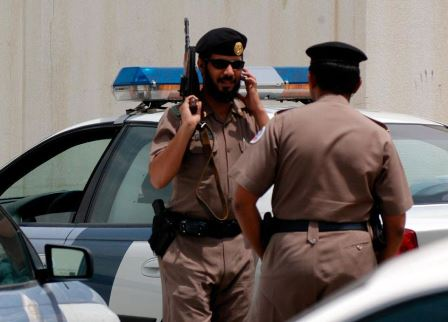 رجل ينحر طفل سعودي أمام والدته في الشارع