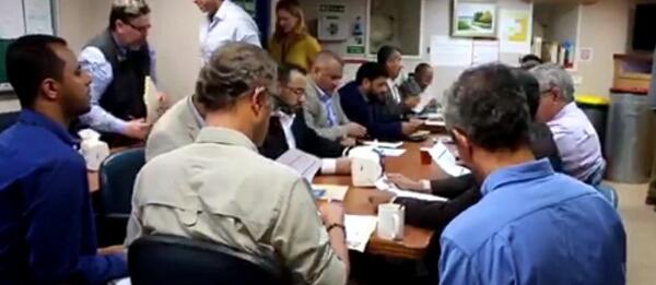 عاجل - الشرعية توافق بشروط على «مقترح كاميرت الجديد» والمليشيات تصدمه بقرار سابق