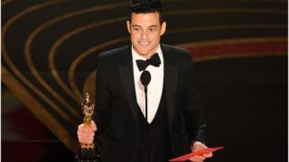 ممثل من أصول مصرية يحصد جائزة الأوسكار