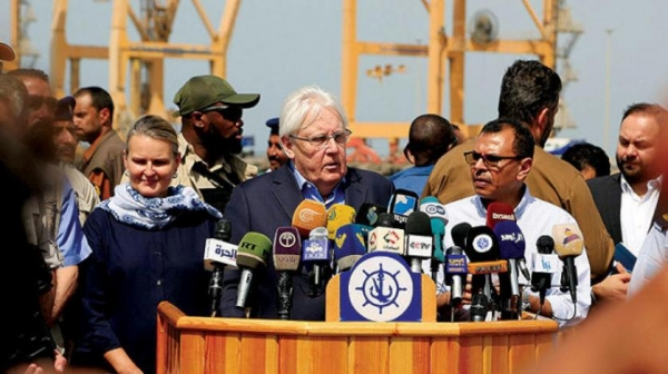 """الكشف عن ضغوطات دولية تمارس على """"الشرعية"""" والجنرال """"علي محسن"""" ينفجر في وجه """"غريفيث"""" ويبعث للمجتمع الدولي  برسالة حازمة"""