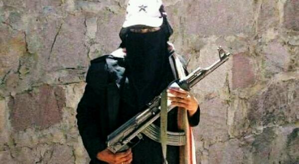 """القصة االكاملة لـ""""الأسطورة أصيلة الدودحي"""".. أول مقاتلة في صفوف """"المقاومة"""" وعروس شهداء اليمن في مواجهة الحوثي"""