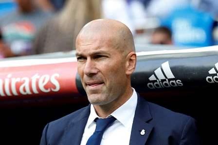 جماهير ريال مدريد تصب غضبها على زيدان