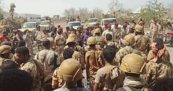 """القوات الإماراتية تقطع الخط الرئيسي الرابط بين شمال وجنوب اليمن وتطرد قوات """"هادي"""""""
