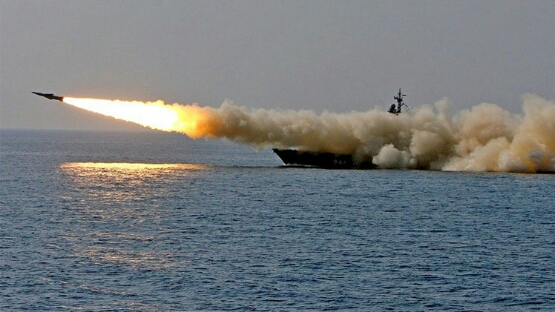 سواحل الامارات تختضن قوات امريكية ضاربة .. وصواريخ توماهوك  الأمريكية  تستعد لتوجه إلى إيران ومخاوف من حرب كبرى