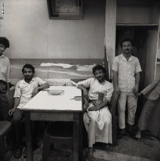 الأجواء الرمضانية في اليمن.. بعدسة مصور أسترالي استكشفها في التسعينيات