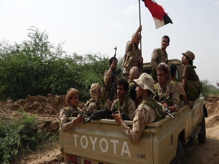 تحت غطاء جوّي.. الجيش يتقدّم على محاور جديدة في معقل «الحوثيين»