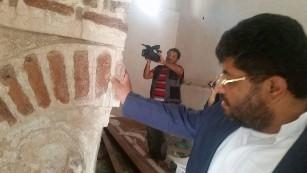 قيادات حوثية تنهب وتهرب آثار مساجد صنعاء