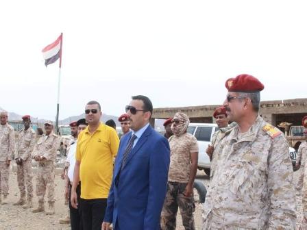 اللواء «محروس»يحث قواته على الإستعداد الدائم للدفاع عن محافظة «سقطرى»