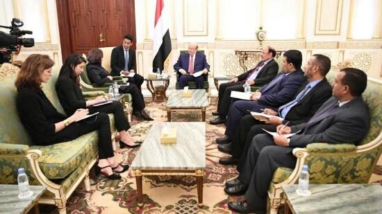 الرئاسة اليمنية تكشف : ضمانات تلقاها هادي تبدأ بالتزام وتنتهي باتفاق