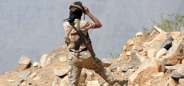 """بعد اسبوع من الزحف والتقدم.. قوات """"الشرعية"""" تقول انها تطرق أبواب العاصمة صنعاء"""