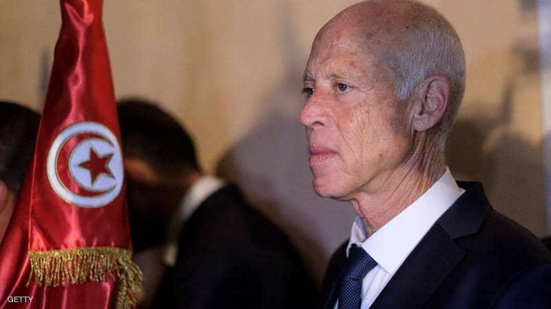 التونسيون ينفذ صبرهم وأربعة أحزاب فاعلة تواجه قيس سعيد بخروجه عن الدستور