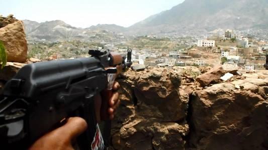 هجوم يباغت الحوثيين في الخطوط الدفاعية الامامية في هذه الجبهة والجيش يزف بشارات النصر