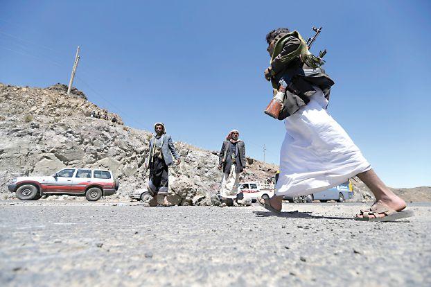 بعد حجور والحشاء – انتفاضة قبلية ثالثة وسط اليمن تقصم ظهر الحوثي وتجبر مليشياته على الانسحاب