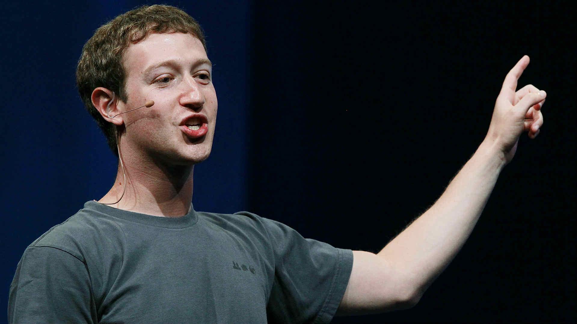 إنذار للشركات بعد فضيحة «فيسبوك» ومارك يعتذر